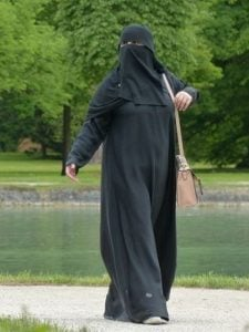islamic clothing of arabian women