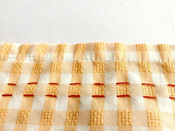Beginner's guide to Smocking Fabric - Techniques and patterns - Sew