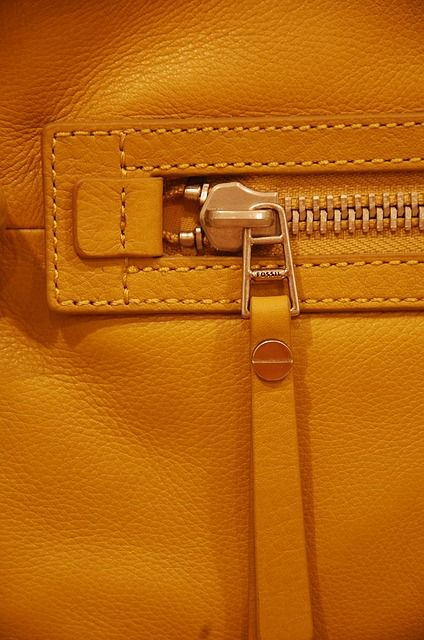 15 Types of Zippers  & a guide to different parts of a zipper