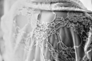 add lace to clothes