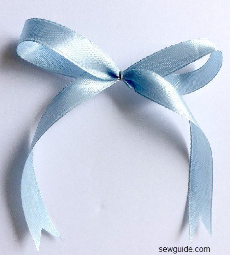 easy ribbon bow
