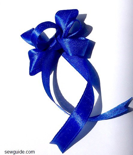 how to make bow with ribbon