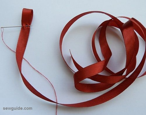 make rose with ribbons
