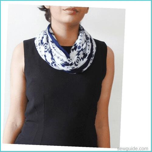 neck scarf tying