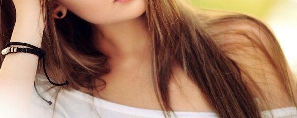 offshoulder neckline
