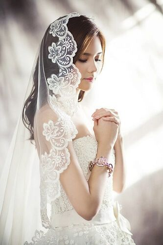 So you want to design make your own Wedding Gown 5 steps to