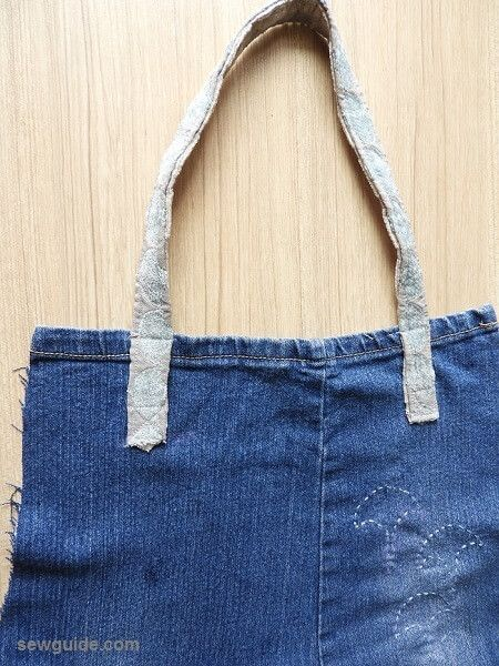 e12ee28700 DIY Denim bags from old jeans  3 easy to make ideas - Sew Guide