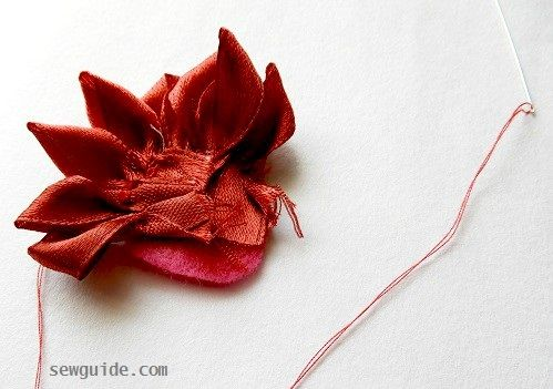 making easy to make ribbon flowers