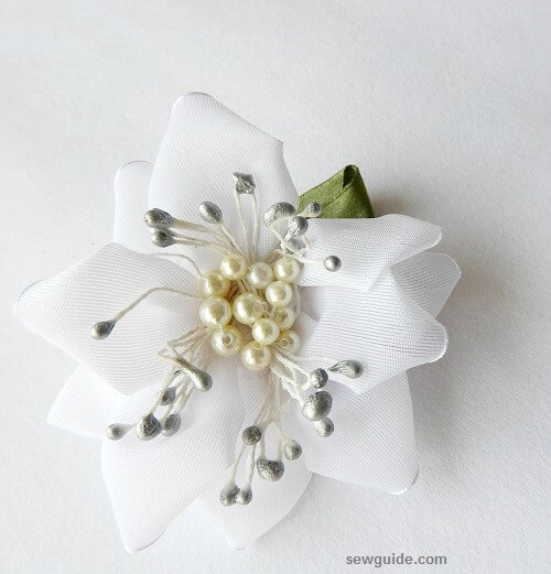 make ribbon flowers easily