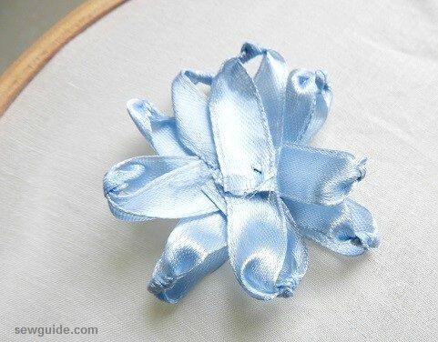 making ribbon flowers