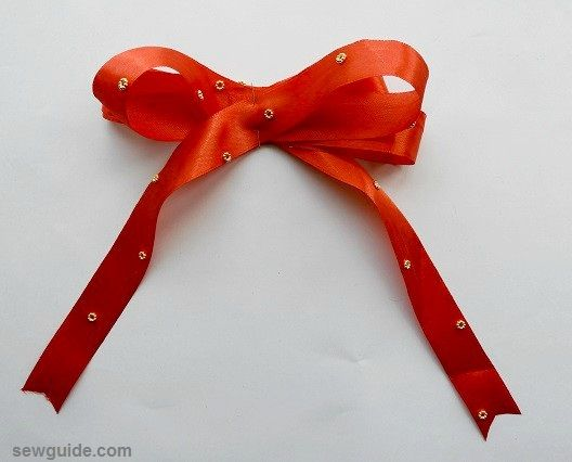 tie christmas bows