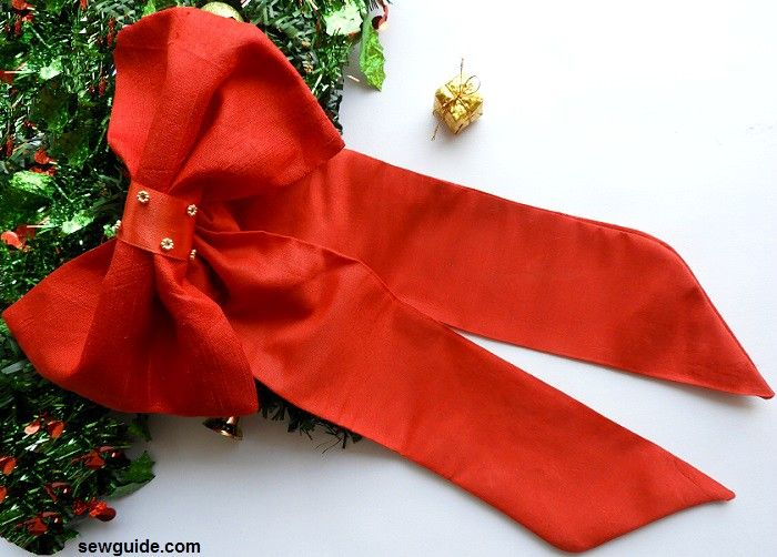 christmas bow making