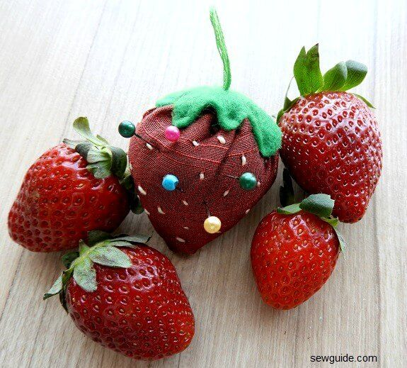 strawberry pincushion tutorial