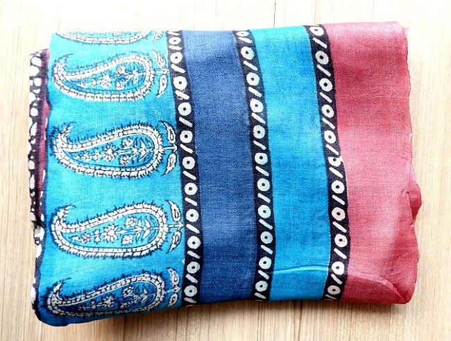 different types of scarves