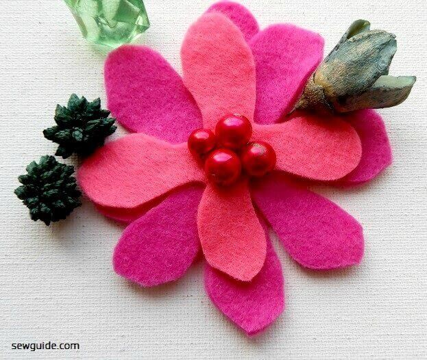 make flowers with felt fabric