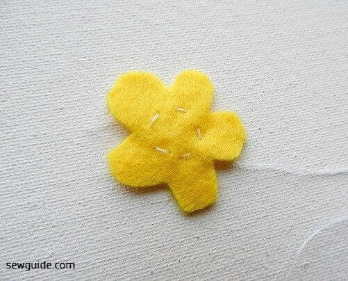 make felt flowers