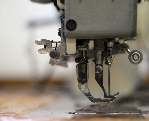 20 Different Types of Sewing Machines