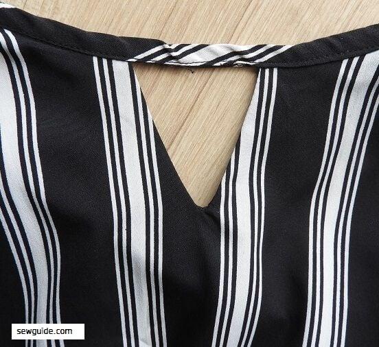 keyhole neckline