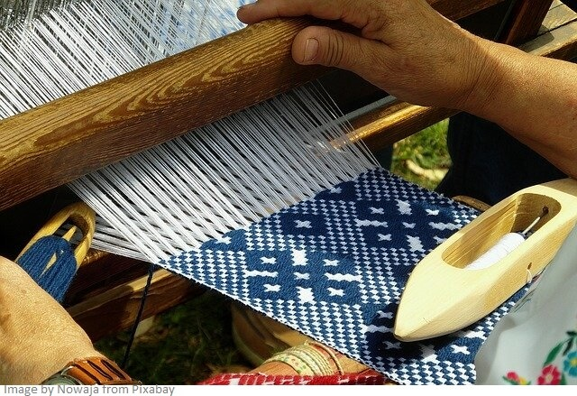 hand weaving of fabric