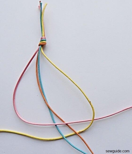braiding 4 strands