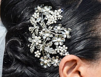 25 Different types of Hair accessories : Keep your hair in place in style