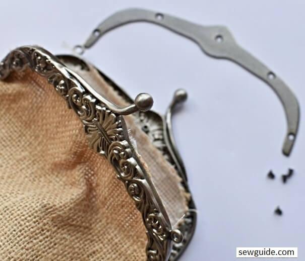 make a purse with a metal frame