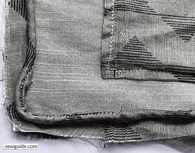 piped cushion cover - sewing tutorial